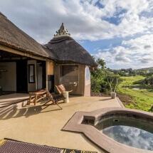 Safari_Lodge_Amakhala_Game_Reserve_Bedroom_View.jpeg